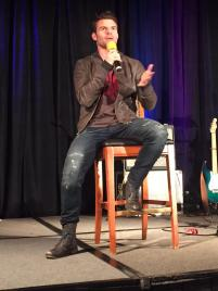 TVD CHICAGO GILLIES 8