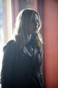 Blood & Oil 1x01 - REBECCA RITTENHOUSE