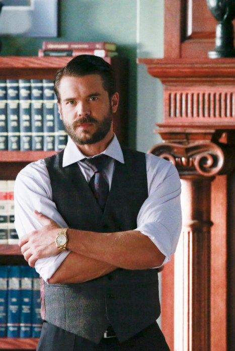 How To Get Away With Murder 2x04 - CHARLIE WEBER