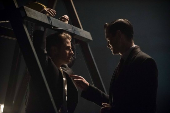 Gotham 2x10-9