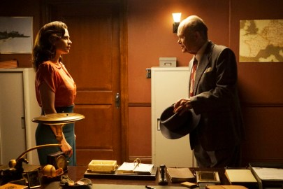 Agent Carter 2x04 - HAYLEY ATWELL, KURTWOOD SMITH