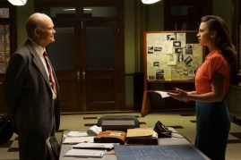 Agent Carter 2x04 - KURTWOOD SMITH, HAYLEY ATWELL