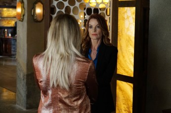 Pretty Little Liars 6x13 - LAURA LEIGHTON