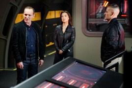 Agents of S.H.I.E.L.D. 3x12 - CLARK GREGG, MING-NA WEN, ADRIAN PASDAR