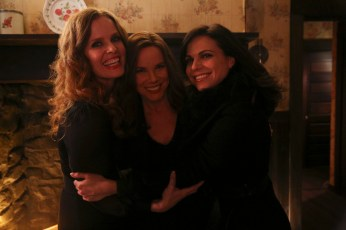 bts Once Upon A Time 5x19 - REBECCA MADER, BARBARA HERSHEY, LANA PARRILLA