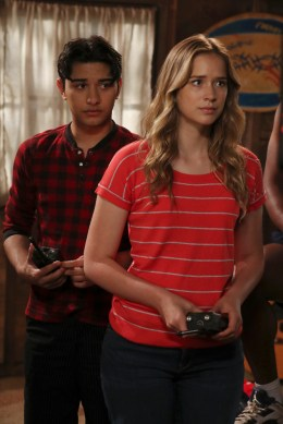 Dead of Summer 1x07 -MARK INDELICATO, ELIZABETH LAIL