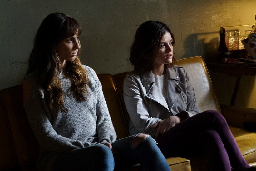 Pretty Little Liars 7x08 - TROIAN BELLISARIO, LUCY HALE