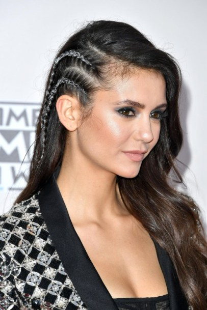 nina-dobrev-american-music-awards-3