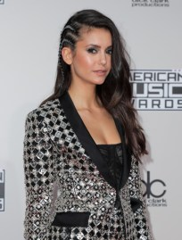 nina-dobrev-american-music-awards-5