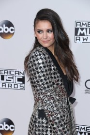 nina-dobrev-american-music-awards-7
