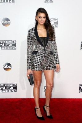 nina-dobrev-american-music-awards-9