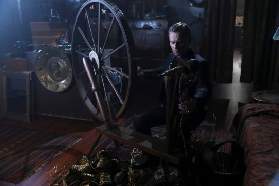 Once Upon A Time 6x08 - ROBERT CARLYLE
