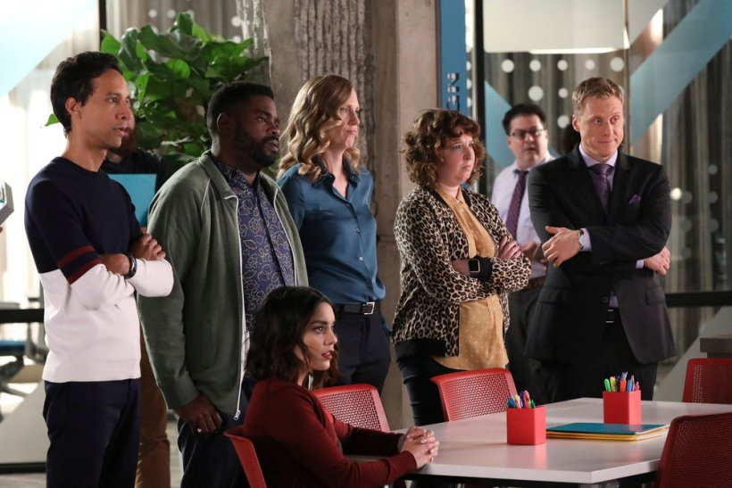 "Powerless 1x06 ""I'ma Friend You"" Synopsis & Promotional Photos"