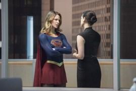 Supergirl 2x15-6