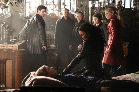 Once Upon A Time 6x19 - COLIN O'DONOGHUE, KEEGAN CONNOR TRACY, JOSH DALLAS, JAIME MURRAY, ROBERT CARLYLE, EMILIE DE RAVIN, JENNIFER MORRISON