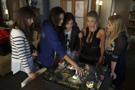 Pretty Little Liars 7x12 - TROIAN BELLISARIO, SHAY MITCHELL, LUCY HALE, ASHLEY BENSON, SASHA PIETERSE