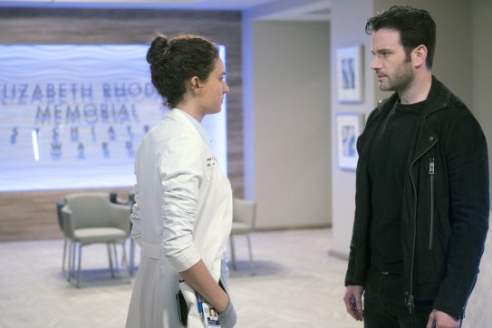 Chicago Med 2x21 - 14