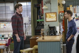 Baby Daddy 6x10 - 02