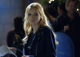 Famous In Love 1x04 - 14