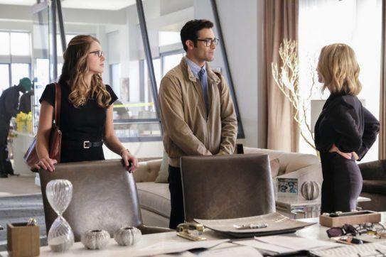 Supergirl 2x22-13