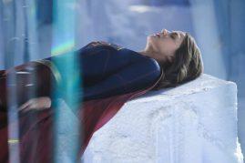 Supergirl 2x22-2
