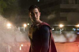 Supergirl 2x22-22