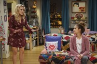 Young & Hungry 5x10 - 01