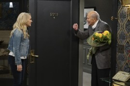 Young and Hungry 5x08 - 16