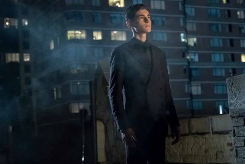 "Gotham 4x01 ""Pax Penguin"" Synopsis, Photos & Preview [PREMIERE]"