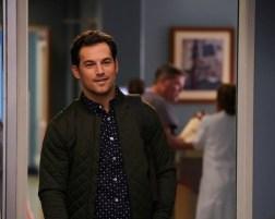 Greys Anatomy 14x02-4