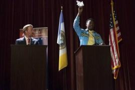 The Mayor 1x01-24