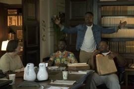 The Mayor 1x01-41