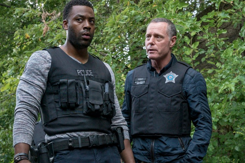 "Chicago P.D. 5x04 ""Snitch"" Synopsis, Promotional Photos & Preview"