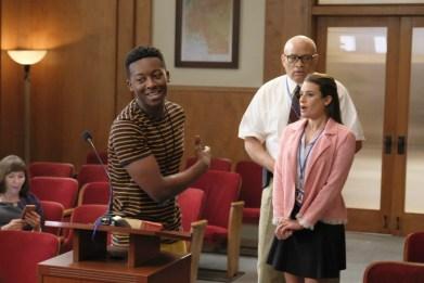 The Mayor 1x02-6