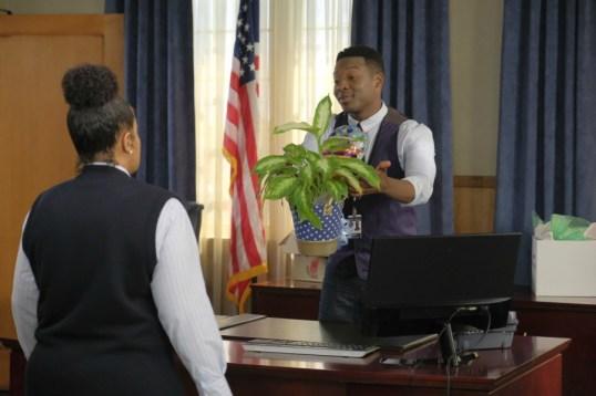 The Mayor 1x03-9