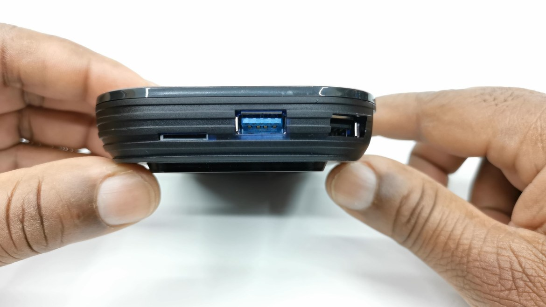Vontar X3 USB ports