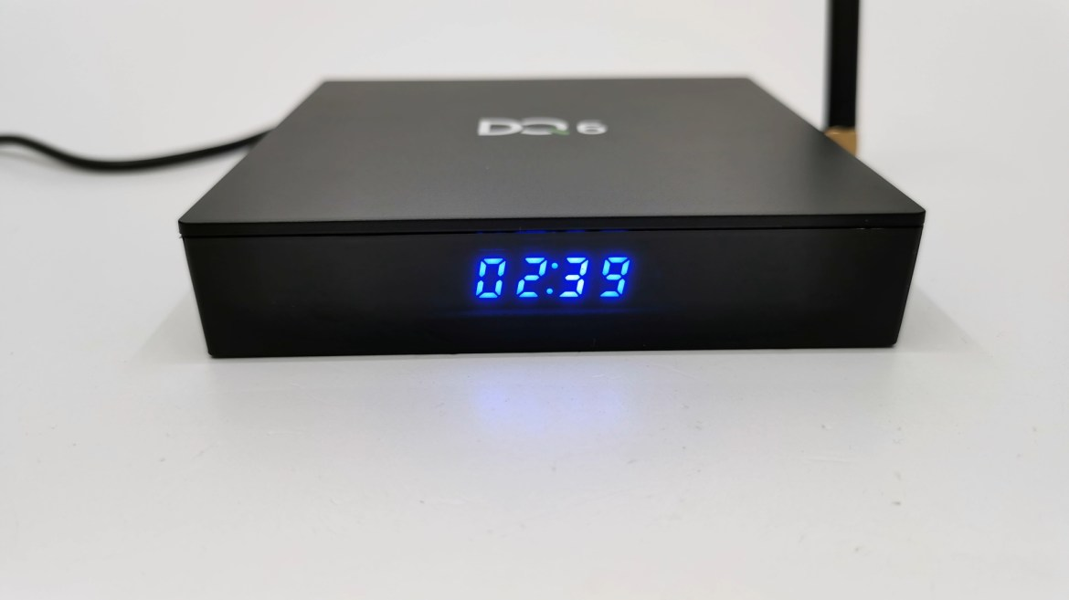 DQ6 TV Box front LED clock display