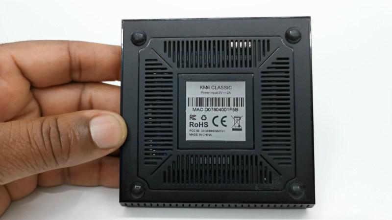 Mecool KM6 Classic base vents