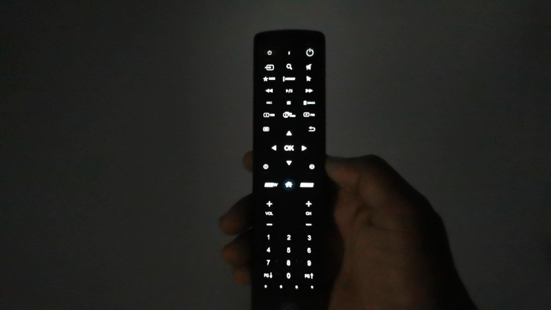 BuzzTV XRS4500 Bluetooth remote backlit feature