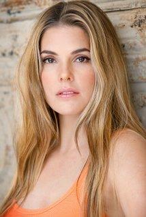 Nicole Moore Biography