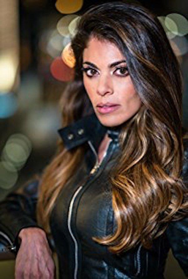 Killer Twin Star Lindsay Hartley Talks To TVGrapevine - TV