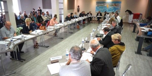 Conseil municipal de la ville de Mèze du 11 mai 2017 – début des débats