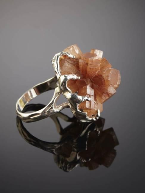 Арагонит-камень-Свойства-арагонита-Применение-арагонита-4