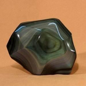 Гагат-Описание-и-свойства-минерала-1