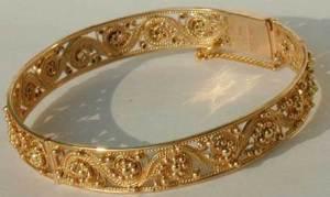 Золотые-браслеты-5