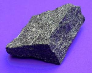 Авгит-Происхождение-история-и-свойства-камня-1