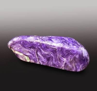 Чароит-камень-Происхождение-история и-свойства-камня-чароита-1