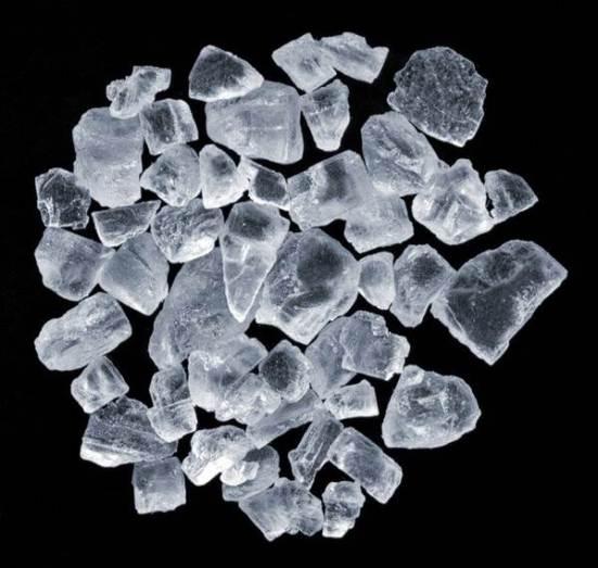 Черная-соль-Особенности-свойства-и-применение-черной-соли-1