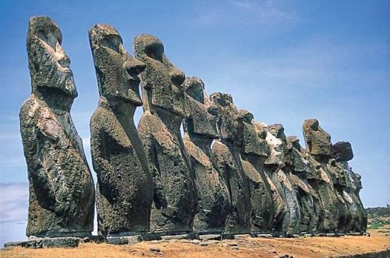 Остров-пасхи-и-его-гигантские-идолы-2