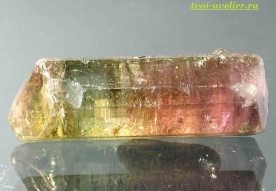Камень-турмалин-Свойства-турмалина-Цена-турмалина-3